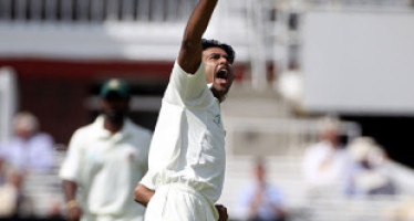 Tamim and Siddique build on Shahadat's five